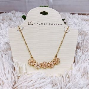 Jewelry - 🆕 Lauren Conrad Floral Necklace